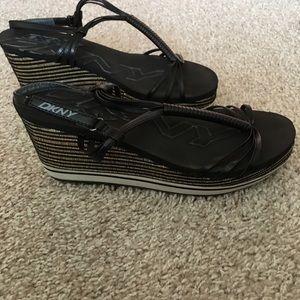 6010a5025544 DKNY Layden Shoes